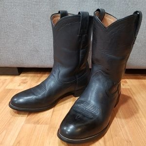 Ariat Black Heritage Roper Boots, Excellent